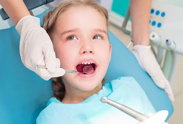 Applying Dental Sealant